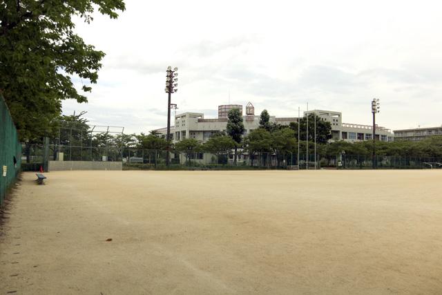 戸塚榎戸公園内グラウンド